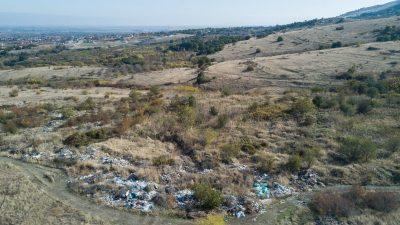 Стотици тонове отпадъци извозиха от нерегламентирано сметище край Марково