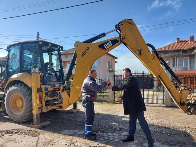 Започват основни ремонти на две улици в село Цалапица