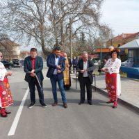 Улица в Брестник за първи път видя асфалт