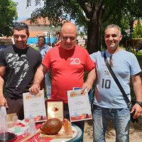 Пъстър празник в Цалапица, първият по рода си фестивал на бабека и виното събра стотици жители и гости на площада в селото